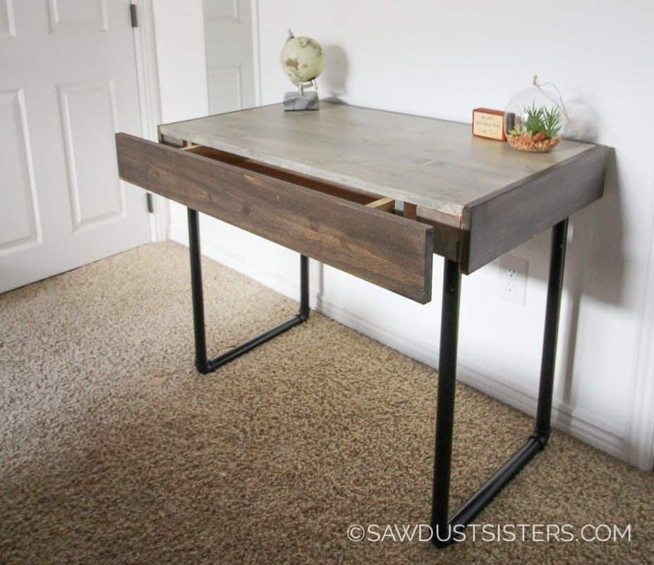 DIY wood desk with pipe legs
