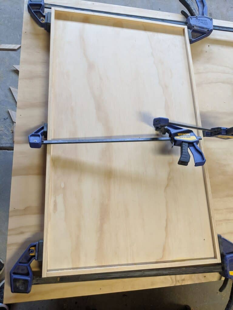 clamping frame to countertop