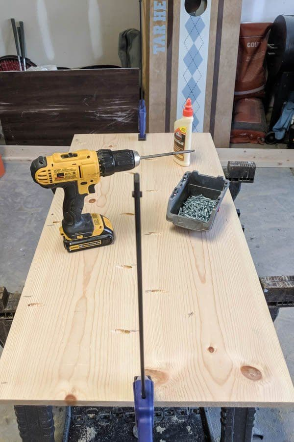 screwing two boards together with pocket holes