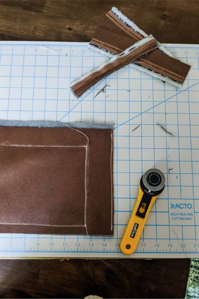 Cutting leather with rotary blade