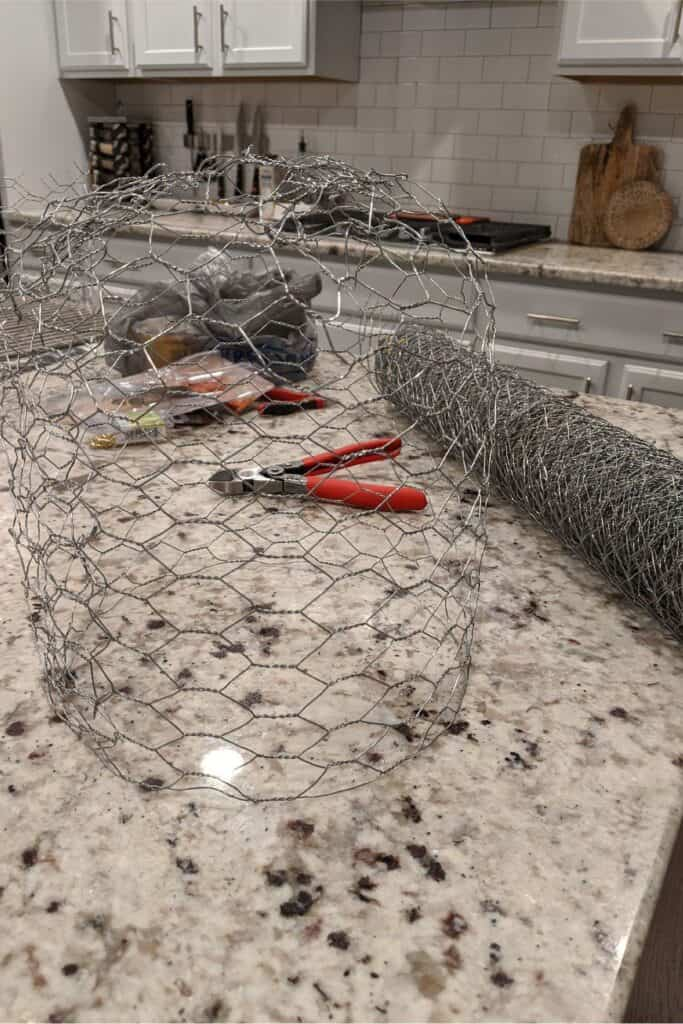 Form chicken wire into a ball