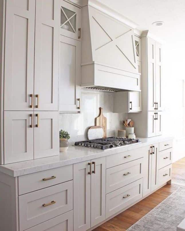 Kitchen cabinets in Repose Gray