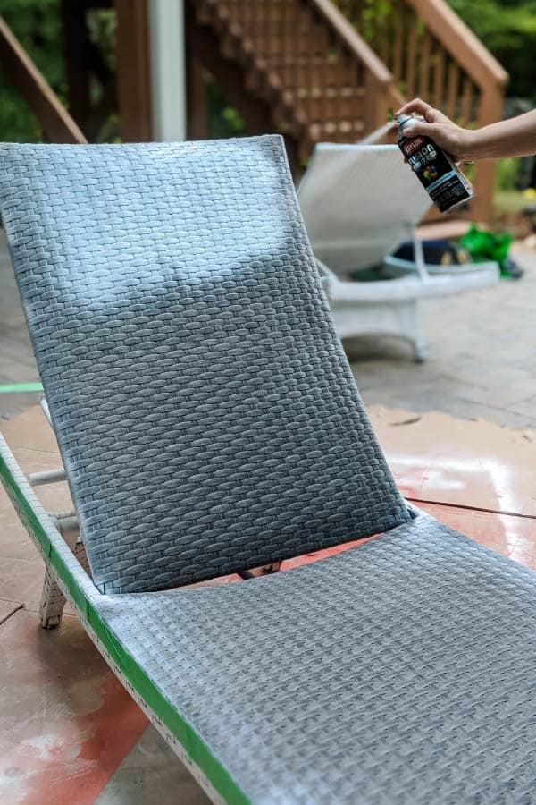 spray painting plastic wicker chair