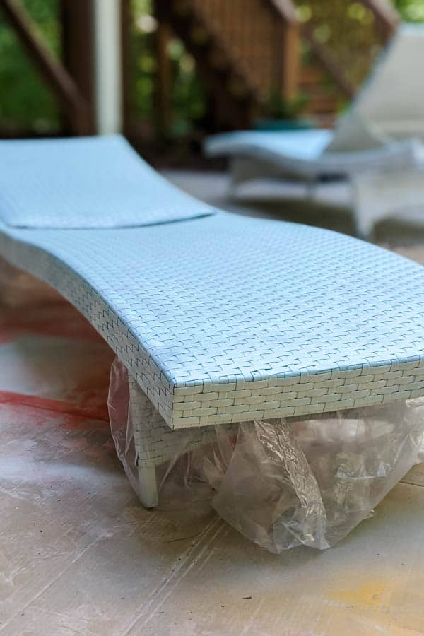 Patio Furniture Makeover With Spray Paint, Painting Resin Wicker Outdoor Furniture