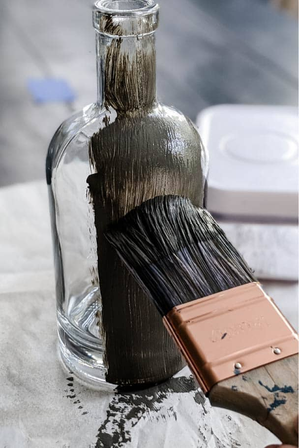 painting vase with paint and baking soda combination