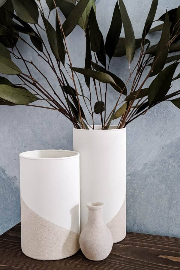 DIY two-tone vases with white top and stone textured bottom