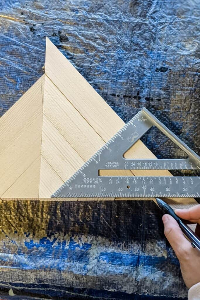 measuring for cuts using speed square
