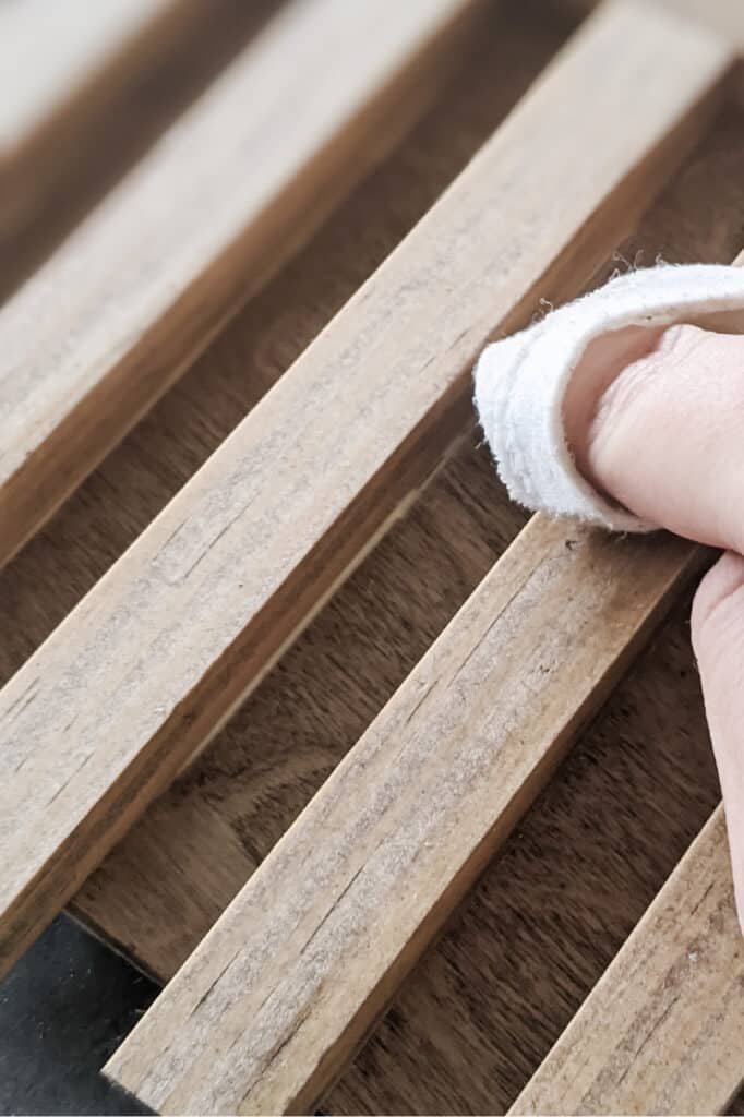 wiping excess glue from wood